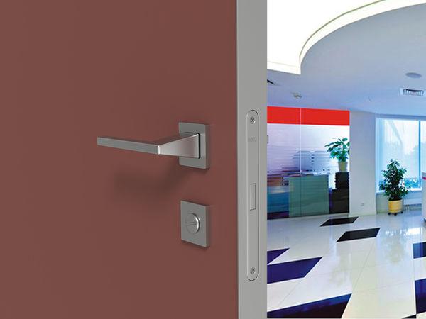 Дверь под покраску в каркасе из алюминия