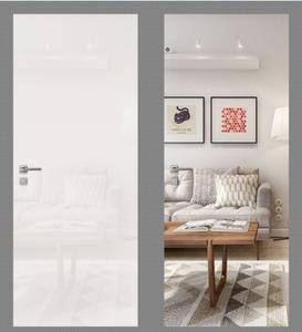 Межкомнатная зеркальная дверь. Внешняя панель – Белое стекло OptiWhite